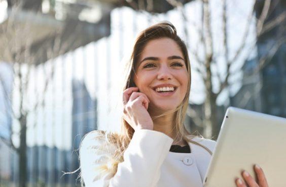 businesswoman-career-communication-789822